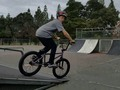 Me ha gustado un vídeo de YouTube ( - HOW TO JUMP A BOX ON A BMX BIKE!!!!!!!!!!!).