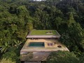 Swipe left! What do you think? The Jungle House Designed by @studiomk27 Located in #Guaraja #Brazil Photos by @fernandogguerra
