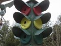 Birdhouse Traffic Light