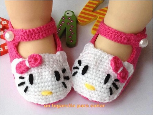 Zapatitos en crochet para bebe hello kitty redgage - Hello kitty chambre bebe ...