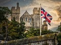 Happy Sunday Folks. Here are three pictures of Arundel Castle in West Sussex, UK    Arundel is the historical seat of the dukes of Norfolk but why they live in Sussex and not Norfolk is beyond me! Of course, the Duke and Duchess of Sussex, now live in America like me!    #arundel #castle #arundelcastle #westsussex #england #medievalart #statelyhomesofengland #chrislordnyc #chrislord #pixielatedpixels #creativeimagery #travelphotographer #artphotography #artofvisuals #artistry_lords #gallery_of_magic #castlemania #castlesofengland #sussexgram #visitsussex #sussexbythesea #englandtourism #ilovesussex #allmyownwork #printsforsale — view on Instagram