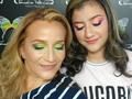 Hermosa Madre e Hija @frankendryk14_todo_eventos 🤩😍🥰 listas para su #fiestaneon muy lindas 😍 #makeuptendencia 🥳🥳🥳 . . . . . #makeupandhair #beforeandafter #makeupadicct #makeuptransformation #makeulover #mymodel #neonparty #party #antesydespues